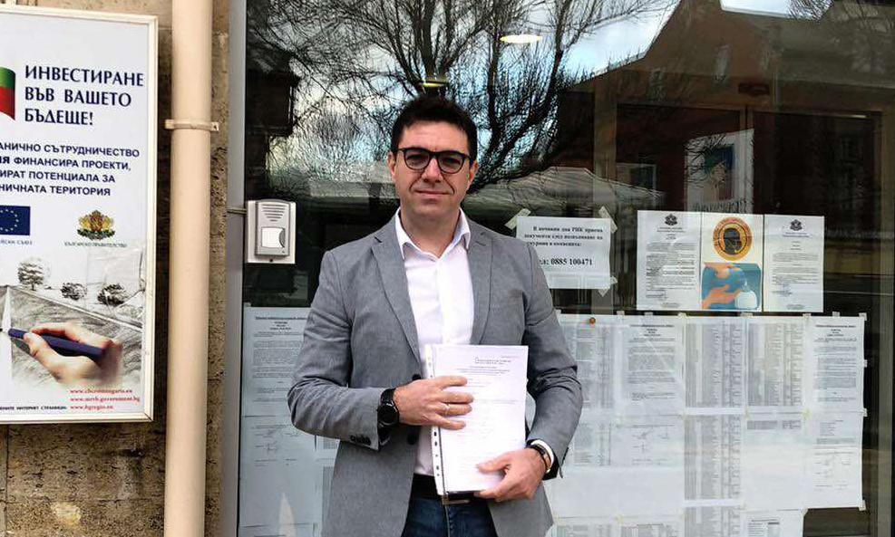 Слави Трифонов ще разчита на нови лица в политиката за листата си в Добрич