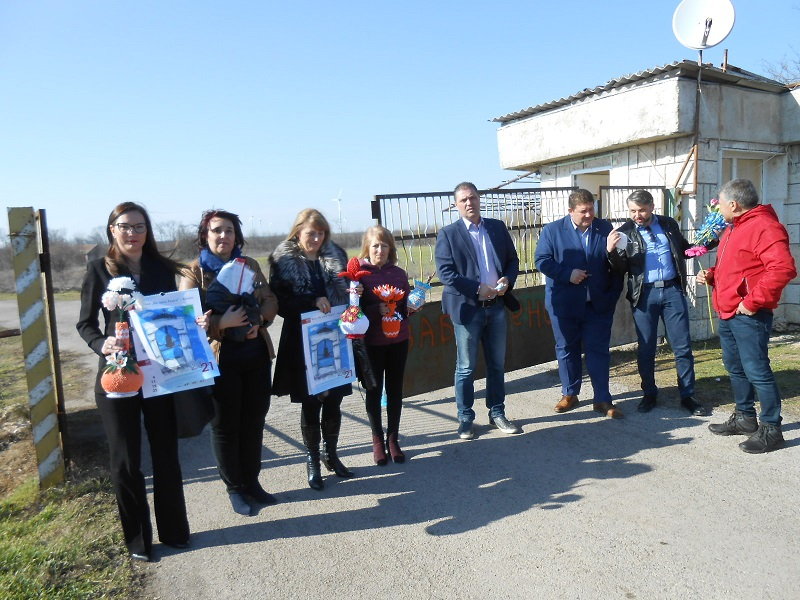 На 8-ми март кандидатите от листата на ГЕРБ – СДС в Добрич подкрепиха труда на жените от дома в Българево