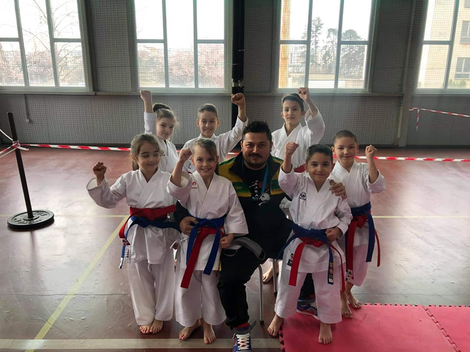 """24 медала завоюва Карате клуб """"Самурай"""" на първия турнир от спортния календар на БНФК"""