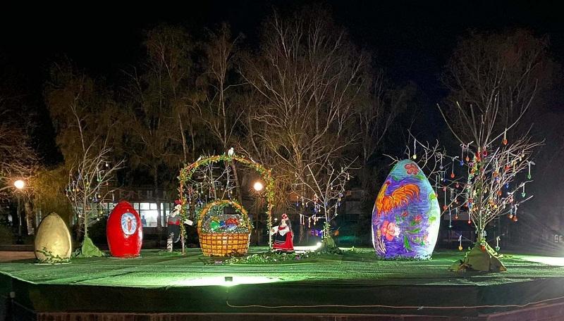 Великденска украса радва жителите на община Тервел