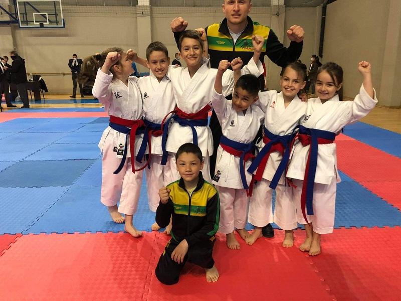"""С 31 медала се завърнаха """"самураите"""" от Държавното първенство по олимпийско карате"""