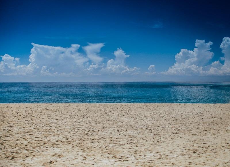 Областният управител предлага да се осигури водно-спасителна дейност на 7 от неохраняемите плажове