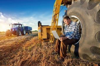 Без становище от РИОСВ при кандидатстване с проекти за закупуване на земеделска техника
