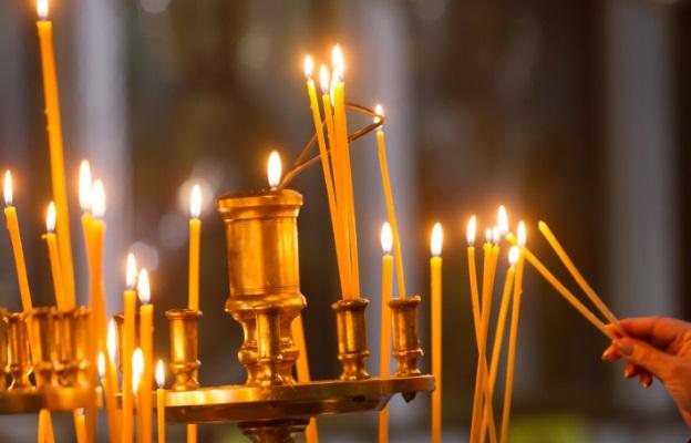 Добричлии се молят за живота на пострадало в катастрофа дете