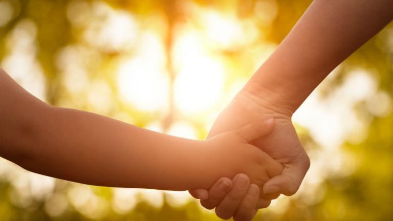 Набират средства за пострадалото при катастрофа 3-годишно дете и неговото семейство
