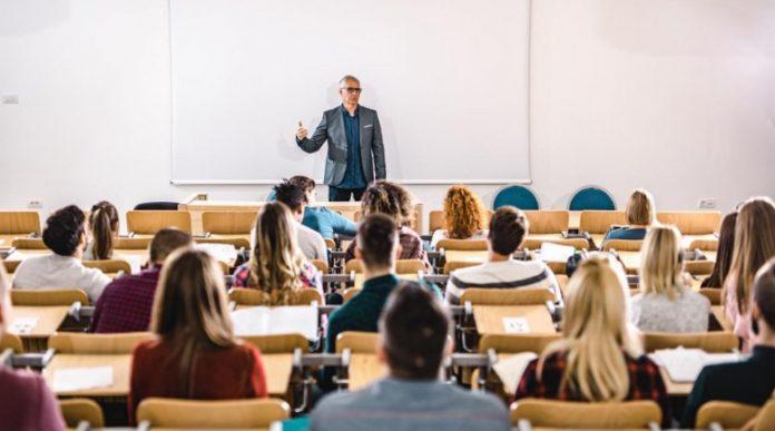 Община Генерал Тошево отпуска стипендии за кандидат–студенти и студенти по две медицински специалности