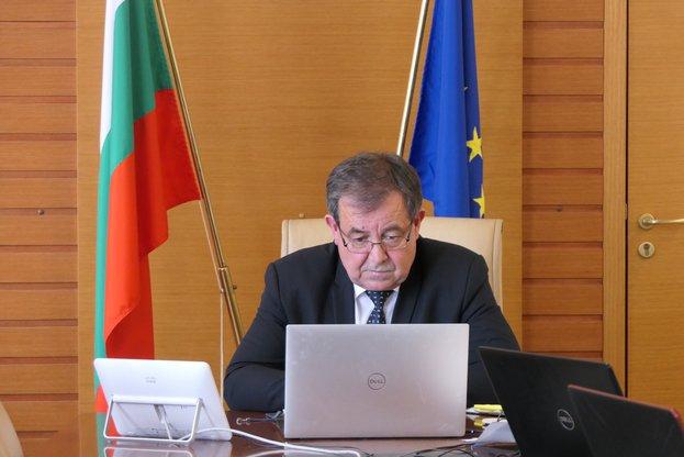 """Министър Бозуков: Ще търсим възможности за удължаване на приема по подмярка 4.1 """"Инвестиции в земеделски стопанства"""""""