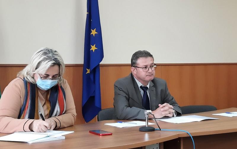 Областният координационен щаб набеляза мерки за широк обхват на населението в областта с ваксини срещу COVID-19