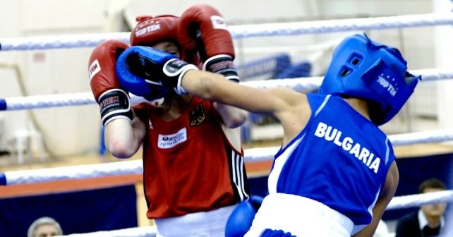 "До два сребърни медала достигнаха младите боксьори на ""Добруджа"""