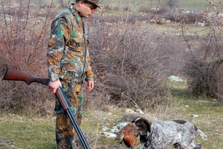 Желаещите да получат право на лов решават изпит в три нива