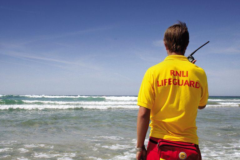 Избран е изпълнител на обществената поръчка за водно охранителна дейност на неохраняеми плажове в област Добрич