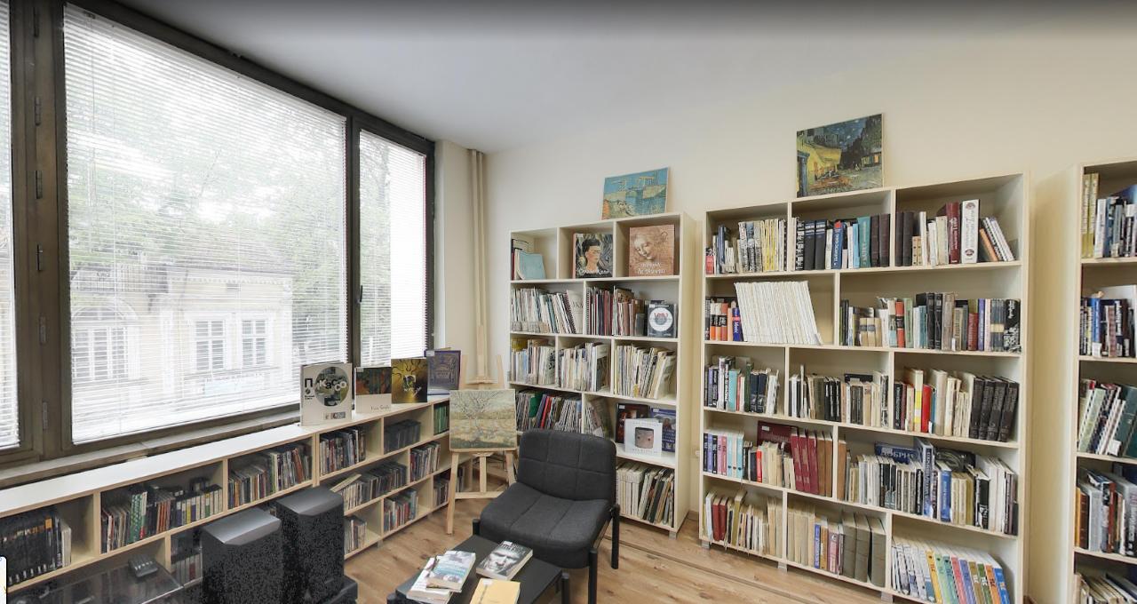 Безжичен достъп до Интернет за читателите на бибилотеката в Добрич