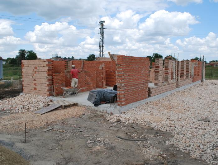 Започнаха строително-монтажните дейности по изграждането на траурен дом в Генерал Тошево