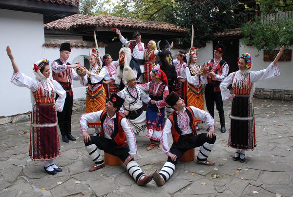 """Уникален спектакъл ще представи ансамбъл """"Добруджа"""" на фестивал в квартал """"Рилци"""""""