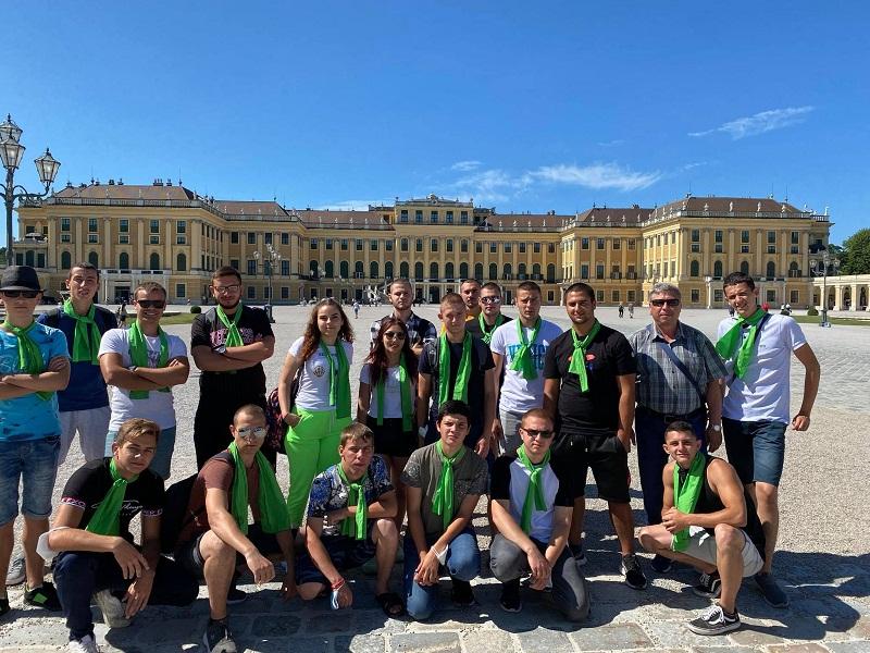 Ученици от Аграрната гимназия в Добрич придобиха практически умения в Австрия