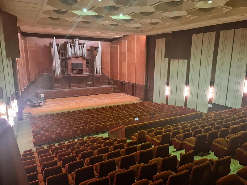"""Започна обновяването на Концертната зала """"Добрич"""""""