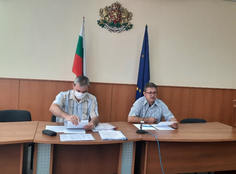 Областният управител проведе консултации за състав на РИК за изборите на 14 ноември