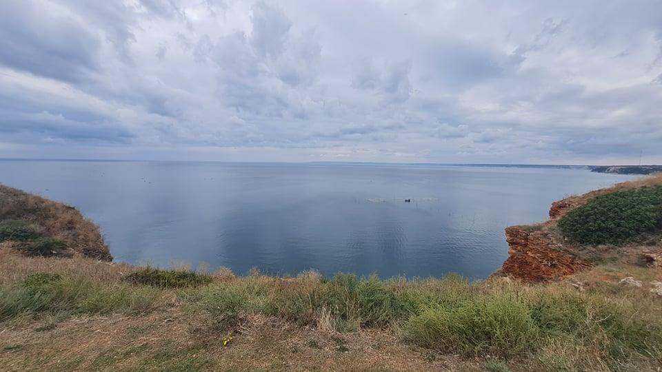 Спасителната акция продължава: Доброволци се включват в издирването на мъжа, изчезнал в морето край Каварна