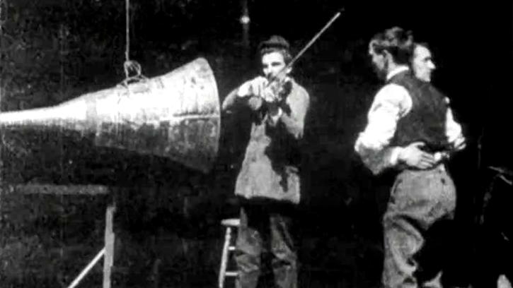 На 24 септември в Берлин е прожектиран първият озвучен филм